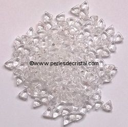 10GR KHEOPS® PAR PUCA 6MM - PERLES EN VERRE TRIANGLE COLORIS CRYSTAL