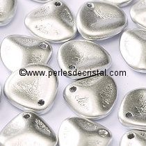 50 ROSE PETALS 8X7MM GLASS COLOURS SILVER ALUMINIUM MAT 01700