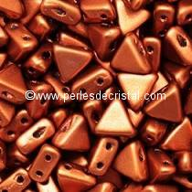 10GR KHEOPS® PAR PUCA® 6MM PERLES EN VERRE TRIANGLE COLORIS BRONZE RED MAT