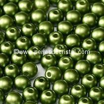 50 SMOOTH ROUND BEADS 4MM PASTEL OLIVINE 02010-25034 / GREEN