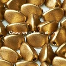 50 PINCH 5X3MM EN VERRE COLORIS LIGHT GOLD MAT 01710