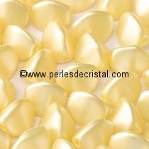 50 PINCH 5X3MM EN VERRE COLORIS PASTEL CREAM 02010/25039