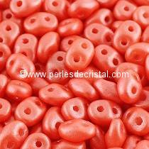10GR SUPERDUO 2.5X5MM EN VERRE COLORIS PEARL SHINE LIGHT CORAL 02010/24006
