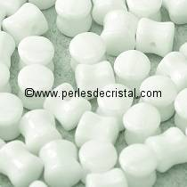50 PELLETS 4X6MM EN VERRE COLORIS OPAQUE WHITE 03000 - CHALKWHITE