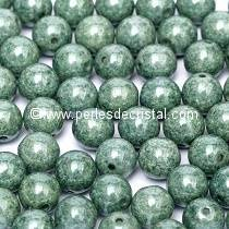 50 PERLES RONDES LISSES 4MM OPAQUE GREEN CERAMIC LOOK 03000/14459
