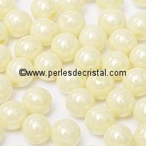 50 SMOOTH ROUND BEADS 4MM OPAQUE CREAM CERAMIC LOOK - LUSTER 03000/14401