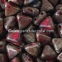 10GR KHEOPS® BY PUCA® BEADS 6MM - TRIANGLE GLASS COLOURS OPAQUE CORAL RED TRAVERTIN DARK 93200/86805