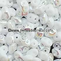 10GR SUPERDUO 2.5X5MM EN VERRE COLORIS OPAQUE WHITE AB 03000/28701