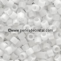 8gr PERLES ROCAILLES MIYUKI DELICA 11/0 - 2MM COLORIS OPAQUE WHITE DB0200 - CHALKWHITE