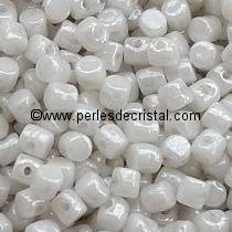5GR PERLES MINOS® PAR PUCA® 2.5X3MM COLORIS OPAQUE WHITE CERAMIC LOOK 03000/14400