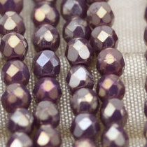 50 BOHEMIAN GLASS FIRE POLISHED FACETED ROUND BEADS 4MM LIGHT AMETHYST LUSTER 00030/15726