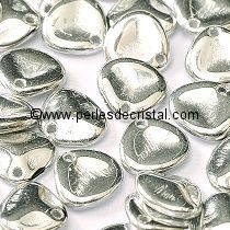 50 ROSE PETALS 8X7MM GLASS COLOURS CRYSTAL LABRADOR FULL - SILVER 00030-27000