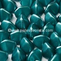 50 PINCH 5X3MM GLASS COLOURS PASTEL EMERALD 02010/25043