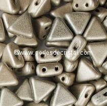 10GR KHEOPS® PAR PUCA® 6MM PERLES EN VERRE TRIANGLE COLORIS METALLIC MAT BEIGE 23980/79080