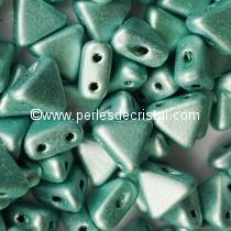 10GR KHEOPS® BY PUCA® BEADS 6MM - TRIANGLE GLASS COLOURS METALLIC MAT GREEN 23980/79051