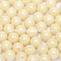 50 PERLES RONDES LISSES 4MM OPAQUE BEIGE CERAMIC LOOK 03000/14413