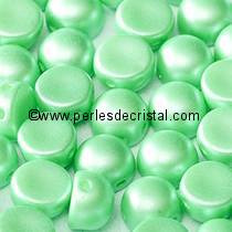 20 PERLES EN VERRE 2-HOLE CABOCHON 6MM COLORIS PASTEL LIGHT GREEN 02010/25025